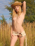 Teen hottie posing.