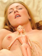 Gilda Roberts 5 pee on Barbie 2010-04-05