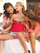 Zoe, Klara and Juliette - Three hot lesbians fist and dildo