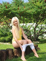 Nubiles.net Dolly Spice - Fliratious teen shows off her petite body outdoors